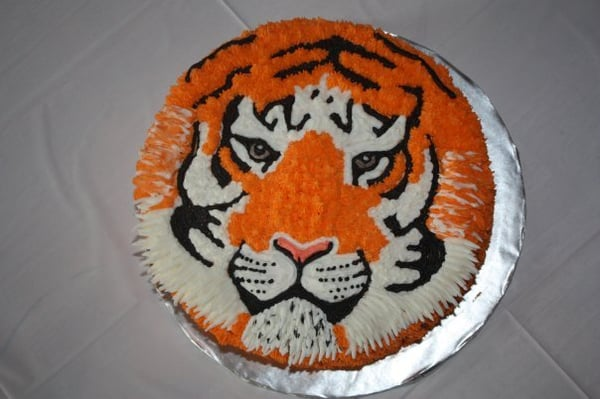 Bengal Tiger Cake With Hand Piped Buttercream Frosting Yelp