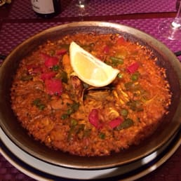 Good seafood paella