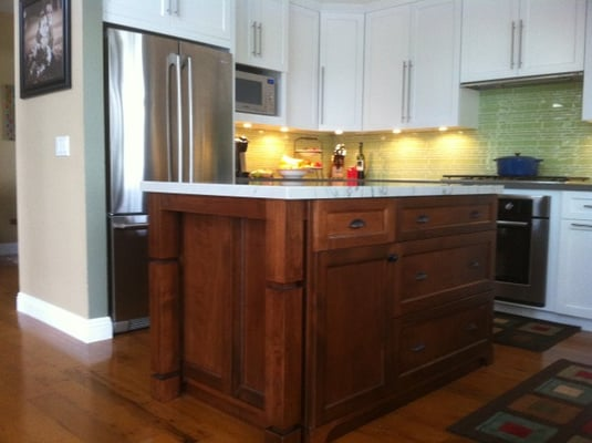 stunning kitchens walnut cabinets | Beautiful full overlay white shaker kitchen cabinets with ...