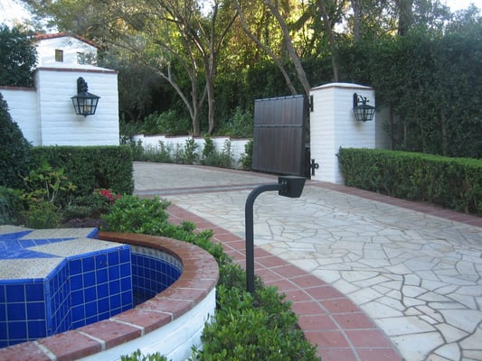 Hardscape Entry Columns Fountain Driveway With Custom