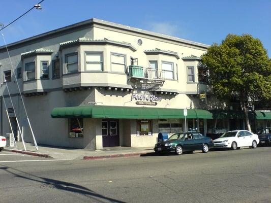 Thai Restaurant College Ave Oakland Ca