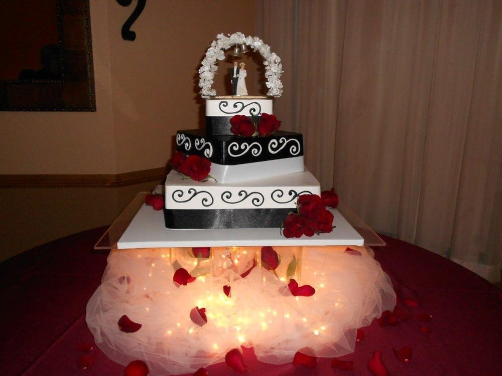 king soopers bakery wedding cakes our wedding cake exactly as promised the wedding topper 16646