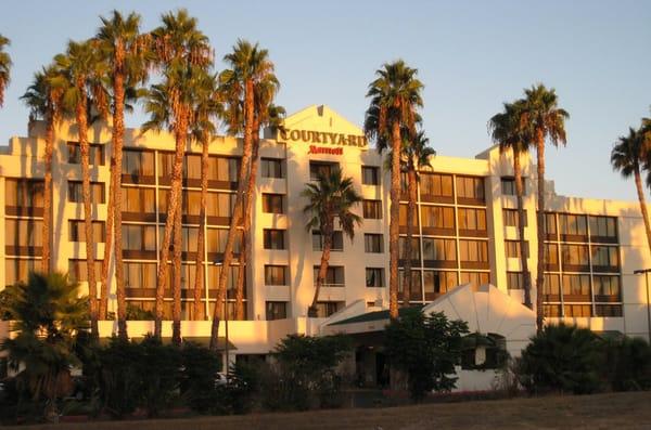 Hotels On University Ave Riverside Ca