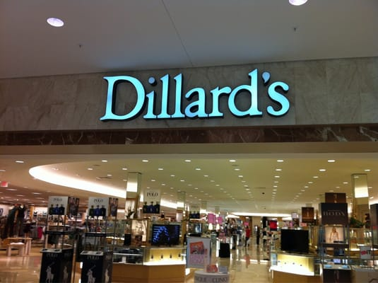 Clothing stores in northlake mall