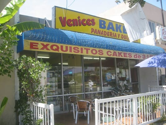 Venice Bakery Amp Restaurant Bakeries Los Angeles Ca Yelp
