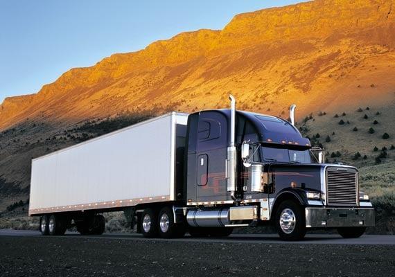 Седельный тягач Freightliner Classic.  Следующая фотография.