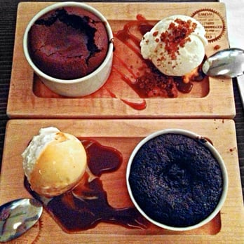 Choc Molten Cake With Ice Cream
